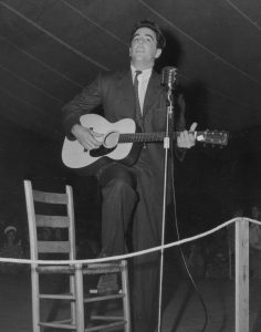 Alan Lomax performing.